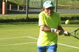 Найстаршому тенісистові світу — 97 років, і він досі в грі