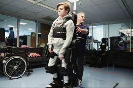 Батько створив для сина екзоскелет, щоб він зміг ходити