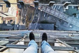Полоскотати нерви: хто готовий зробити фото на прозорому балконі в Сан-Паулу