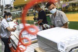 Економіка Китаю — під тиском через різкий спад у промисловості й роздрібних продажах