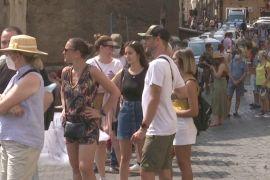До Рима повернулися черги з туристів