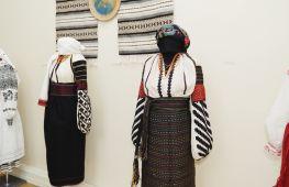 Жодного схожого вбрання: у Києві відкрилася виставка українського традиційного одягу