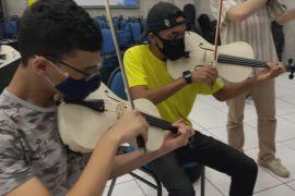 Скрипка для бідних: як із ПВХ роблять інструменти