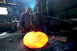 Як у середні віки: три боснійські сім'ї ковалів покладаються на енергію води й вогню