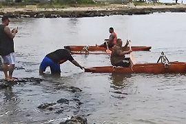 Рибалки пересіли на каное заради рифів