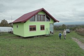 Боснієць поставив будинок, який обертається, щоб догодити дружині