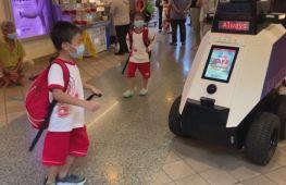 Роботи-патрульні стежать за порядком у Сінгапурі