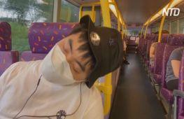 Гонконжців катають по 5 годин автобусом, щоб дати їм виспатися